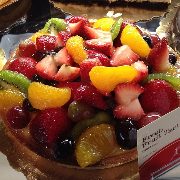 Fresh Fruit Tart @ La Madeleine
