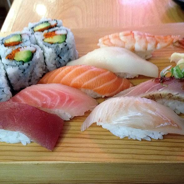 Sushi Delight @ Momo Sushi