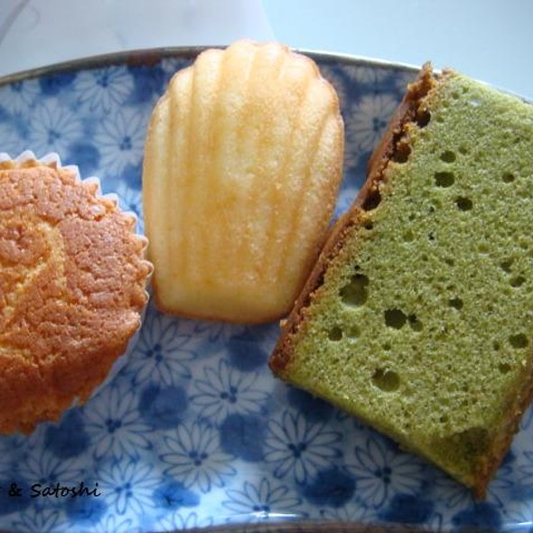 Assorted Cakes @ Y Style