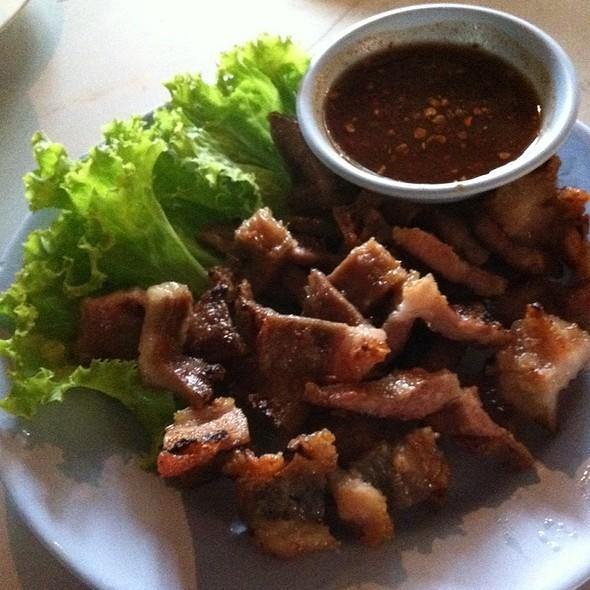 แป้งนมหมูย่าง   Grilled Pig Dug @ แจ่วฮ้อนพะเยา   Jaew Hon Phayao