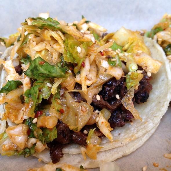 Kalbi (BBQ short rib) taco @ Del Seoul