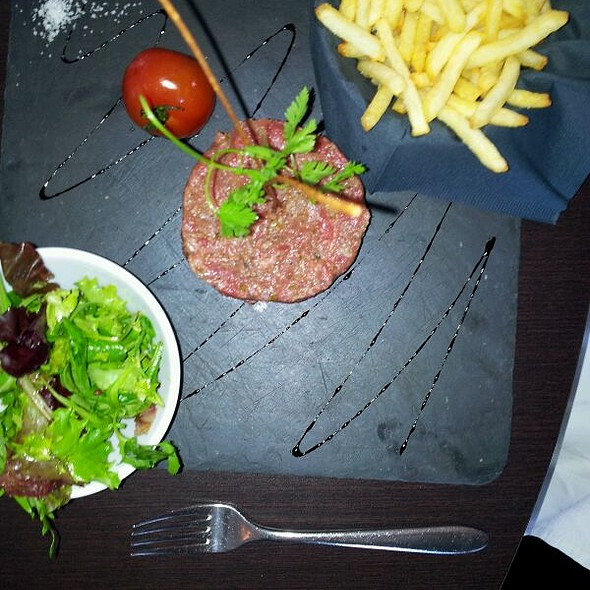 steak tartare @ L'amirada