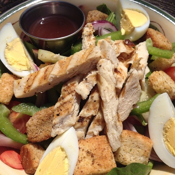 Secret Garden Salad W/Grilled Chicken @ Secret Garden Cafe & Gallery