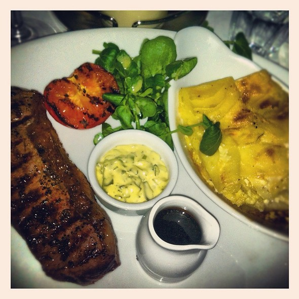 Sirloin Steak With Bernaise Sauce And Dauphinoise Potatoes @ The Chamberlayne