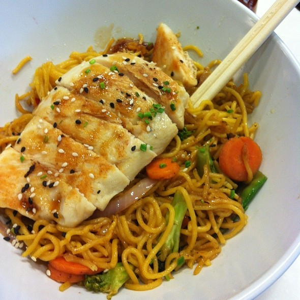 Stir Fry Hokkien Noodles With Chicken And Vegetables @ Dungenous Bay
