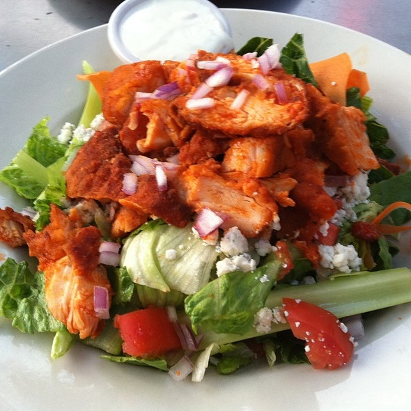 Barbeque Chicken Tossed Salad @ Whitlow's On Wilson