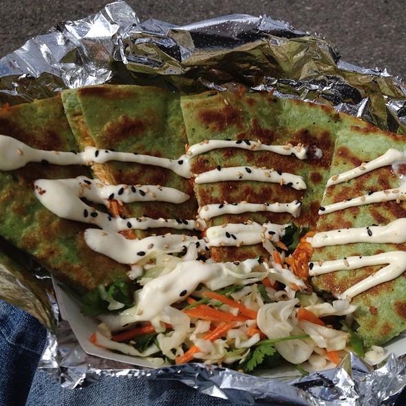 Spinach Chicken Quesadillas @ Chow Truck