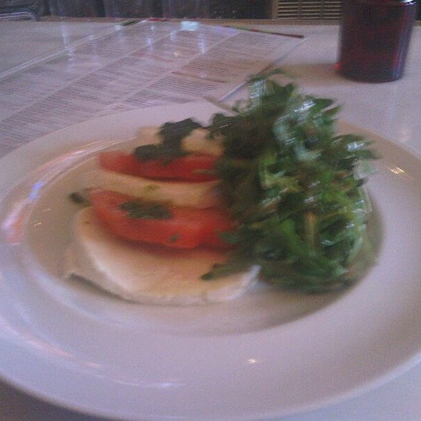 Mozzarella and Tomato Salad @ F & J Pine Tavern