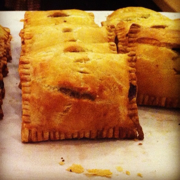 Cardamom Apple Hand Pie @ Hot Cakes