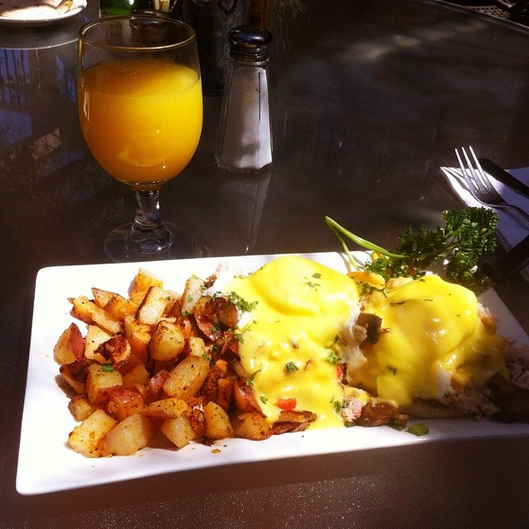 Eggs Benedict With Dungeness Crab @ from scratch restaurant