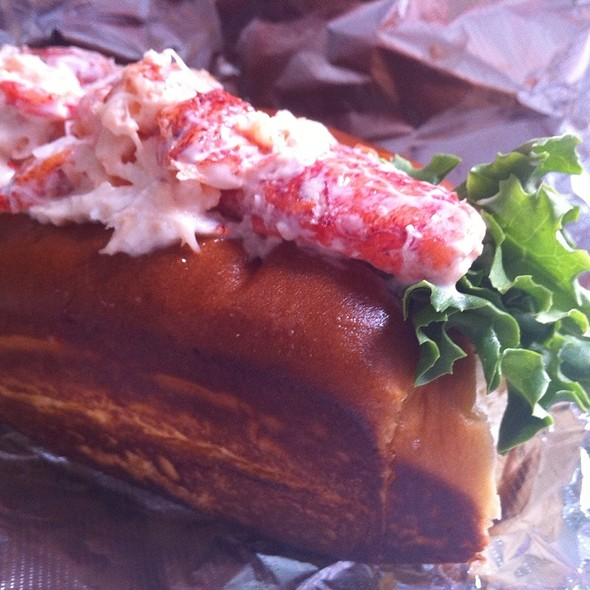 Lobster Roll (Sandwich) @ Boston Chowda