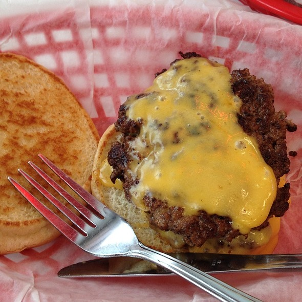 Double Cheeseburger @ Nifty Fifty's