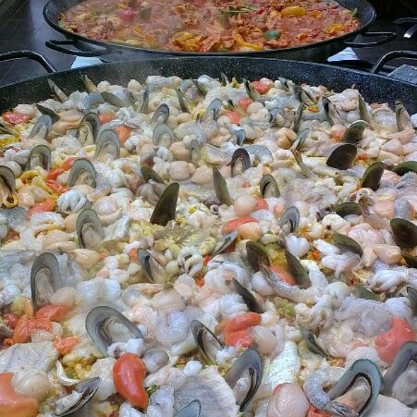 Paella Feast @ Brandy Creek Wines & View Café
