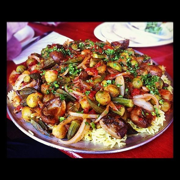 yakhni khudra made just for us by my dad's bff mustafa ❤ #whatveganseat #instafood  #vegansofig #veganfoodshare @ O'Falafel, Etc.
