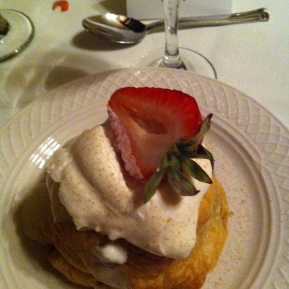 Apple Dumpling @ Kellogg Manor House