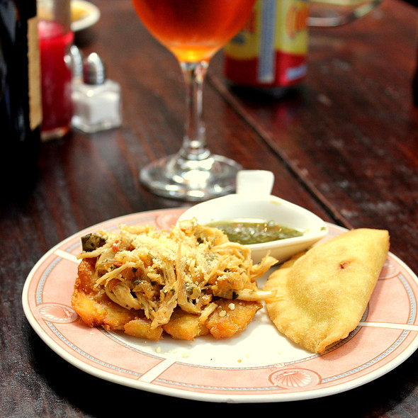 Empanadas & Shredded Chicken with Plantains @ Bolivar