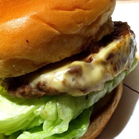 Premium Beef Burger @ MOS Burger (Emporium)