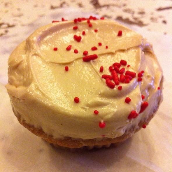 Red Velvet Cupcake @ Sugar Sweet Sunshine