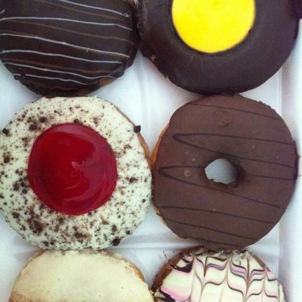 Mixed Donuts @ Daddy Dough homeWorks Ratchapruek