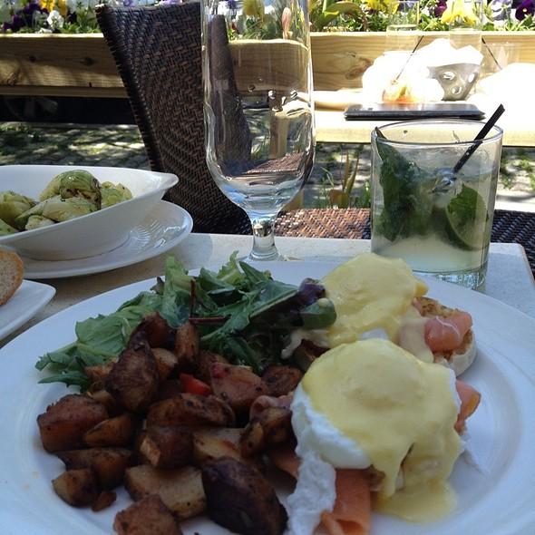 Smoked Salmon Eggs Benedict @ Riverview Restaurant & Lounge