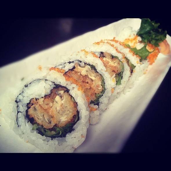 Cajun Oyster Roll