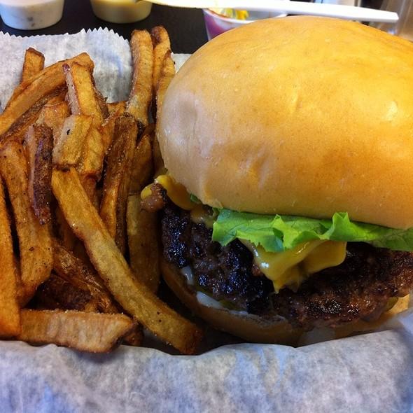 Seamus Burger