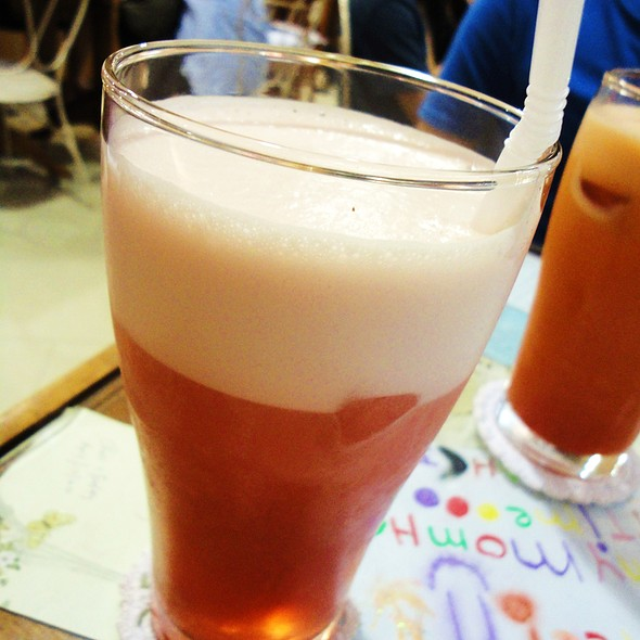 Apple Cinnamon Honey Iced Tea