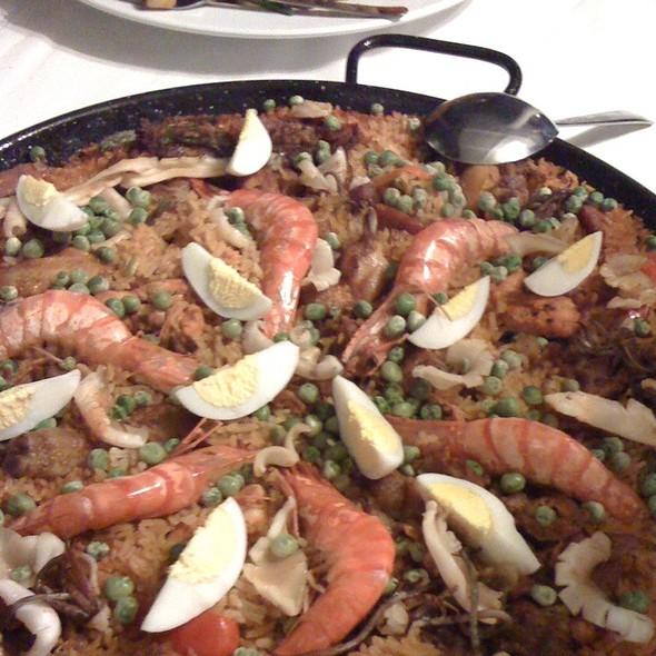 Seafood Paella @ Pria's Kitchen