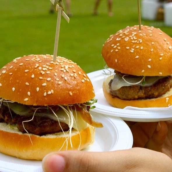 (Chef Mario Pagan ) Duck & Manchego Sliders @ Food & Fashion Fest (Ventana al MAR)