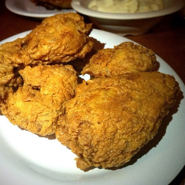 fried chicken @ Babe's Chicken