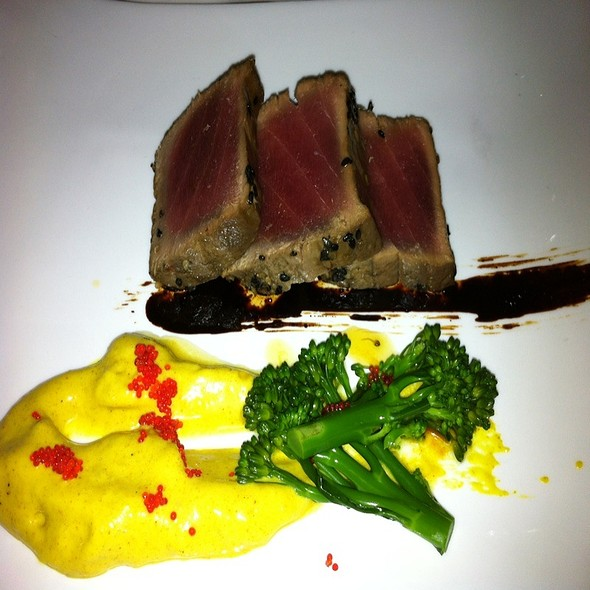 Grilled Yellowfin Tuna @ Smaak