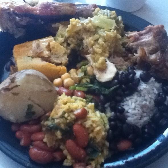 buffet @ El Cebiche De Waldito