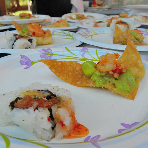spicy tuna sushi and shrimp guac chip - Genki Noodles and Sushi - Buckhead, Atlanta, GA