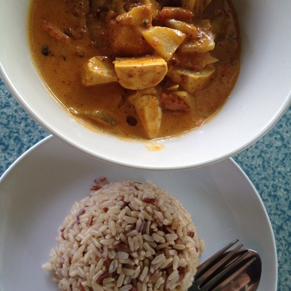 Massaman Curry With Tofu