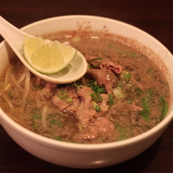 Beef Broth Pho @ 誠記越南麵食館