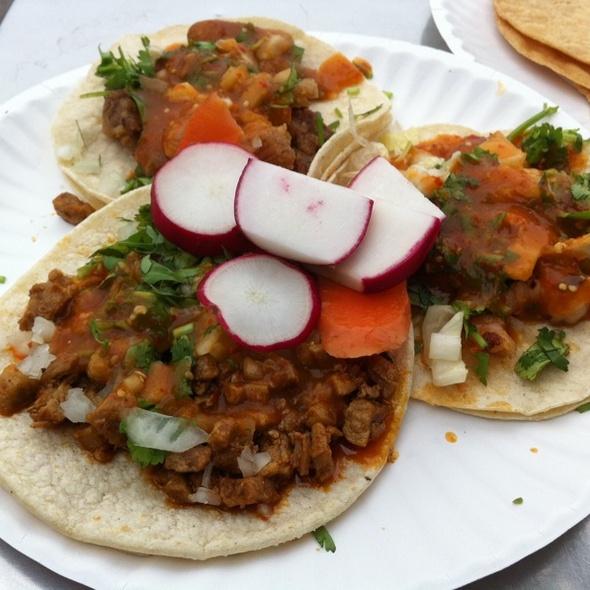 Tacos @ La Playita