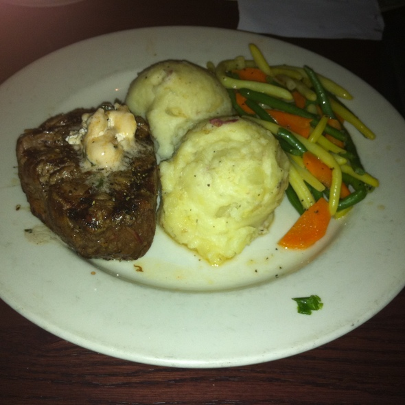 NY Strip Steak @ Houlihan's
