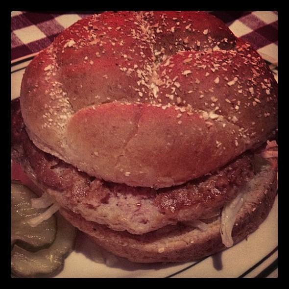 #turkey #burger @billsbarandburger #nyc  porn ie stagram #picoftheday #instadaily #instafood #yum #yummy @ Bill's Bar and Burger Meatpacking