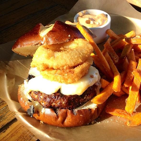 Locavore Burger @ Rockit Burger Bar