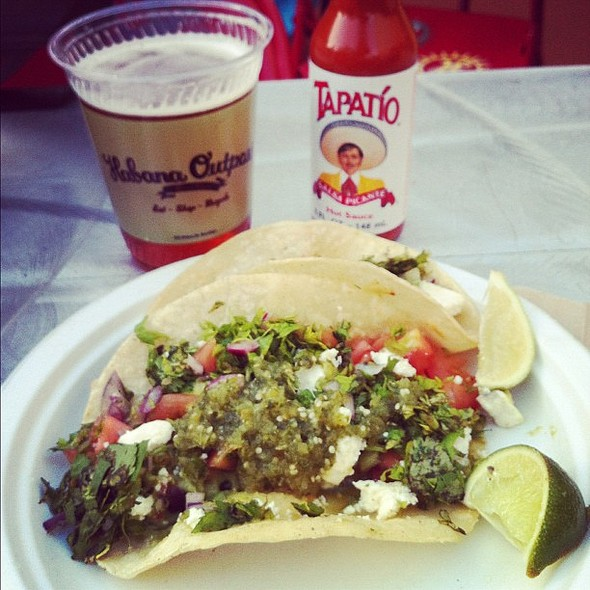 """this is summer. (these """"veggie"""" tacos=avocado tacos. win!) #latergram #summer #brooklyn  #tacos @ Habana Outpost"""