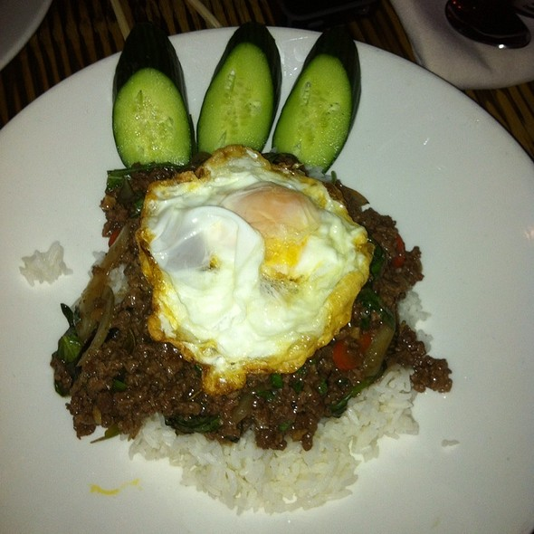 Phat Kapau @ Thai House