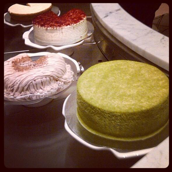 #cake @ladym #dessert  ie porn stagram #picoftheday #instadaily #instafood #yum #yummy #nyc @ Lady M