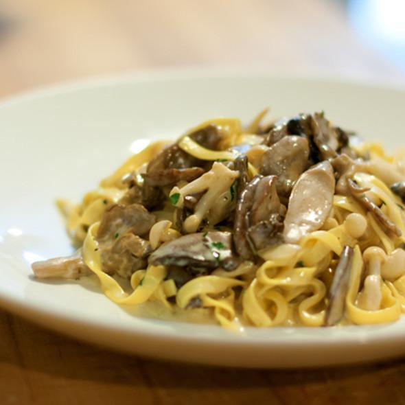 Tagliatele ai Funghi @ Sotto Sotto Restaurant