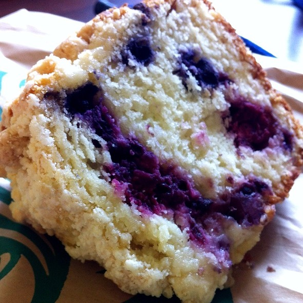 Very Berry Coffee Cake @ Starbucks