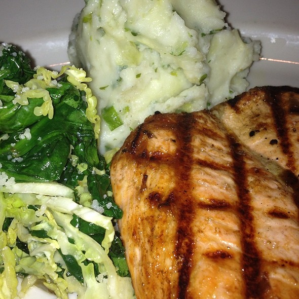 Grilled Salmon With Mashed Potatoes And Sauteed Spinach @ Bandera Restaurant-Brentwood