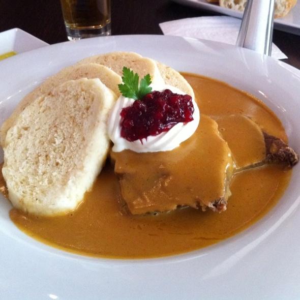Svíčková na smetaně @ Como Mediterranean Restaurant & Café