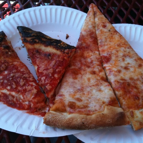 Square Pizza and Round Pizza