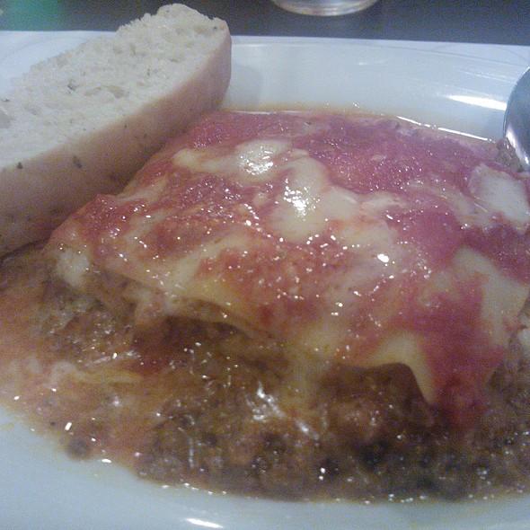Lasagne Al Ragu @ Amici