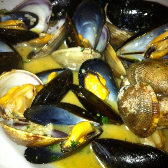 Mussels & Clams @ Gigi's Sotto Mare