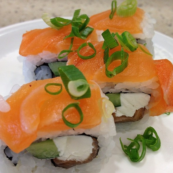 Salmon Cream Cheese Roll